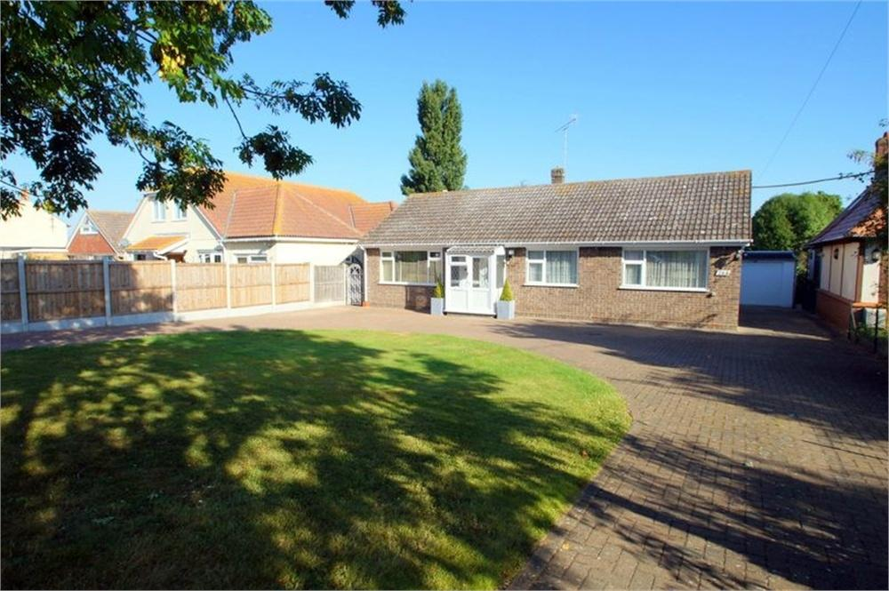 3 Bedrooms Detached Bungalow for sale in Point Clear Road, St Osyth, CLACTON-ON-SEA, Essex