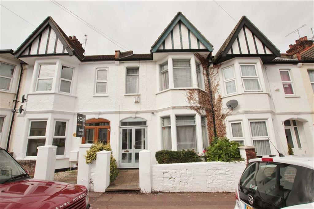 3 Bedrooms Terraced House for sale in Ramuz Drive, Westcliff-On-Sea, Essex