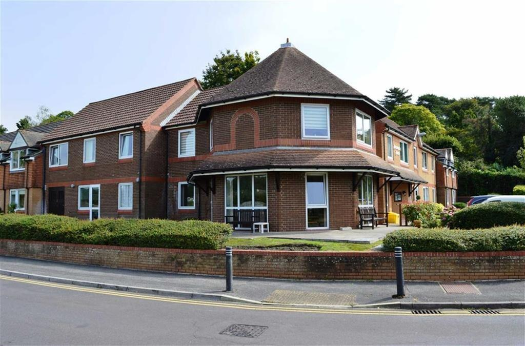 1 Bedroom Retirement Property for sale in Wentworth Drive, Broadstone, Dorset