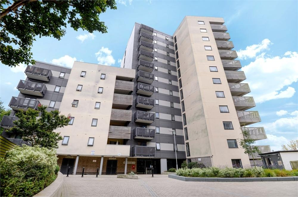 2 Bedrooms Flat for sale in Dominion House, The Avenue, London