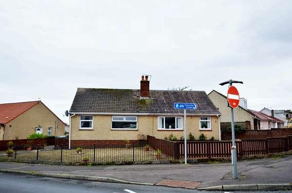 1 Bedroom Semi Detached Bungalow for sale in 103 Woodwynd, Kilwinning, KA13 7DH