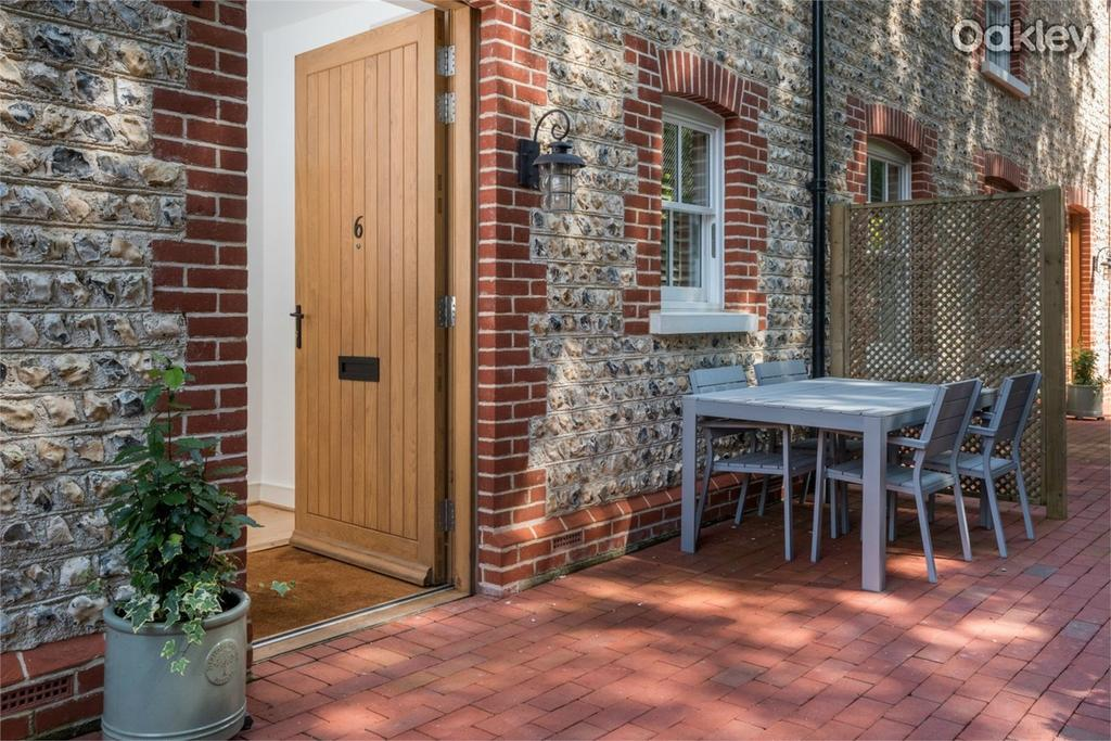 3 Bedrooms Terraced House for sale in The Courtyard, Stanmer Village, Brighton, East Sussex