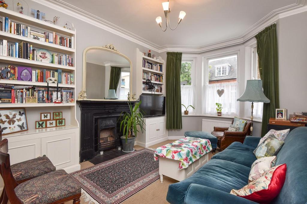 2 Bedrooms Flat for sale in Hackford Road, Oval