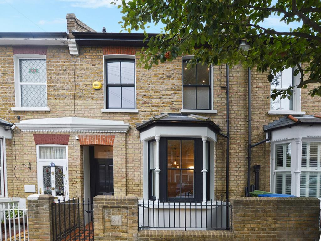 4 Bedrooms Terraced House for sale in Waghorn Street, SE15 4LA