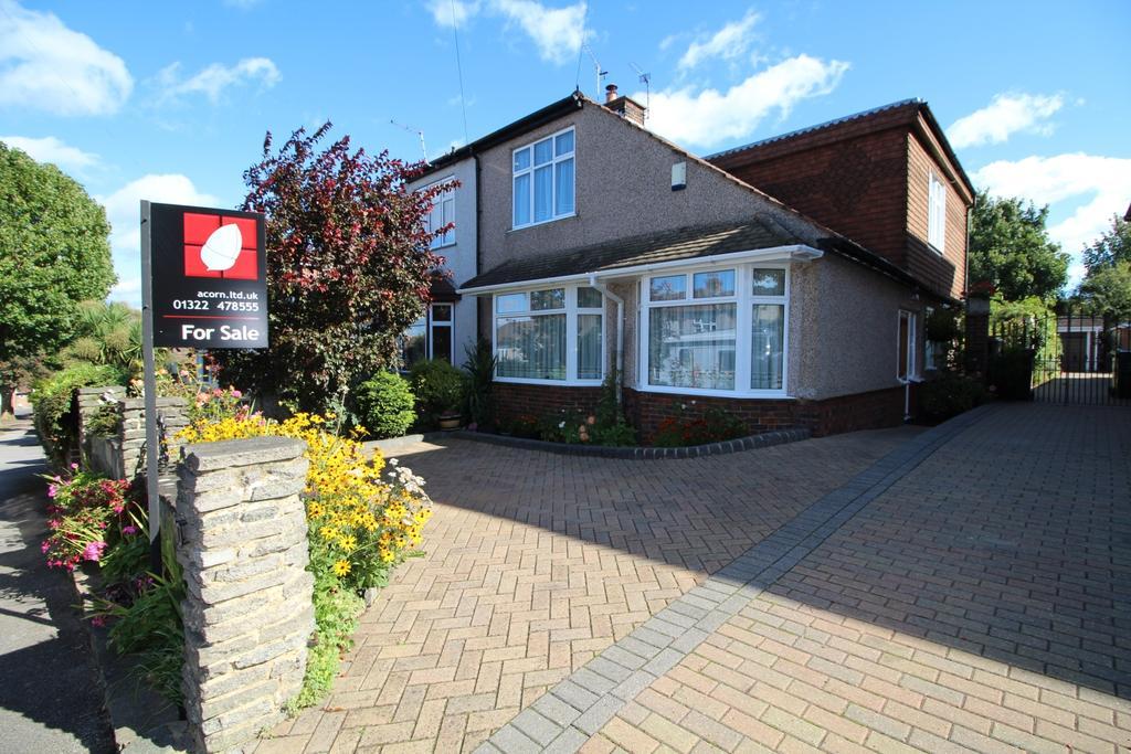 4 Bedrooms Semi Detached House for sale in Raeburn Avenue Dartford DA1