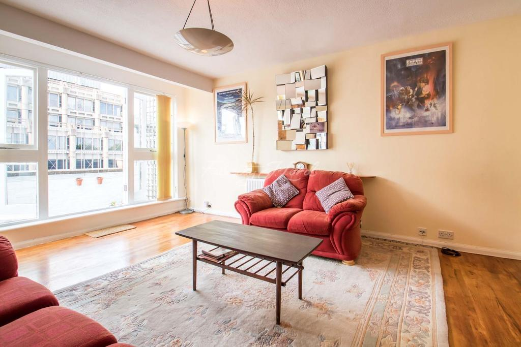 3 Bedrooms Flat for sale in Victoria Court, E1