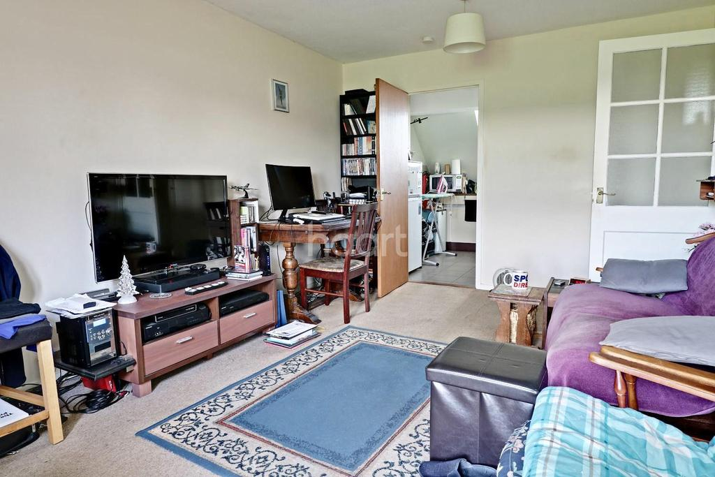1 Bedroom Flat for sale in Haylock Close, Kempston