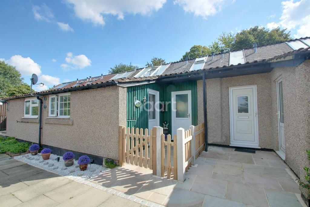 3 Bedrooms Terraced House for sale in The Hyde, Langdon Hills