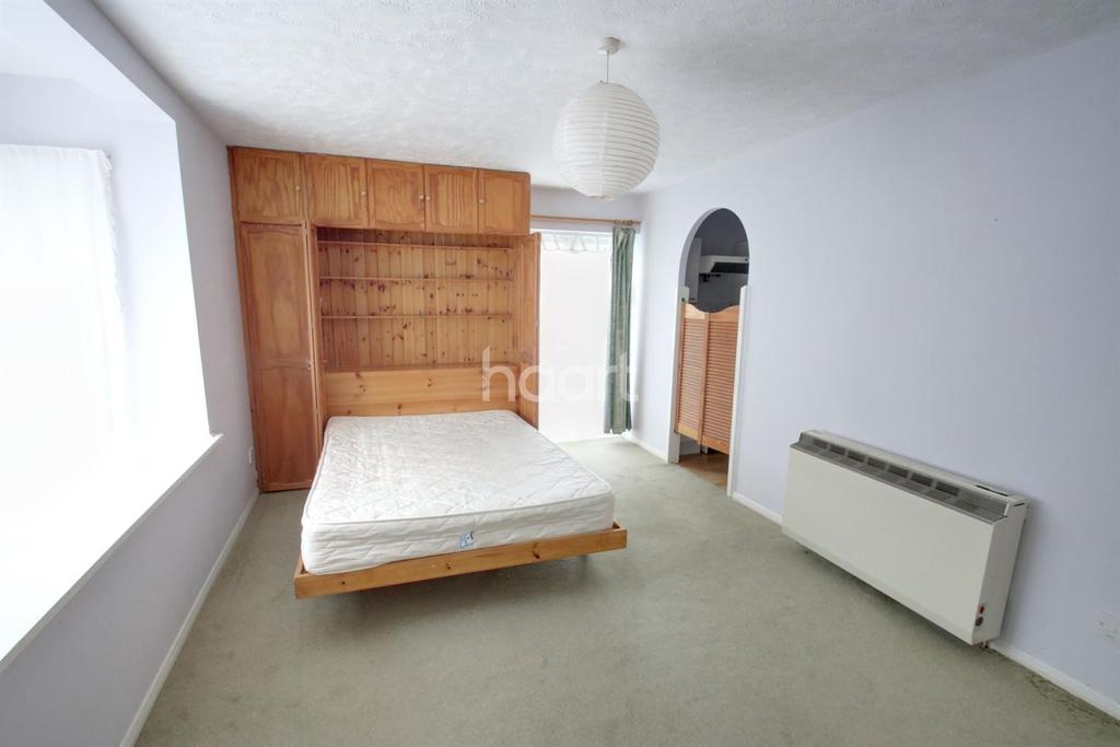 Studio Flat for sale in Orchard Grove, Crystal Palace, SE20