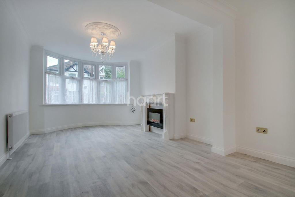 4 Bedrooms Terraced House for sale in Lincoln Crescent, Bush Hill Park, EN1