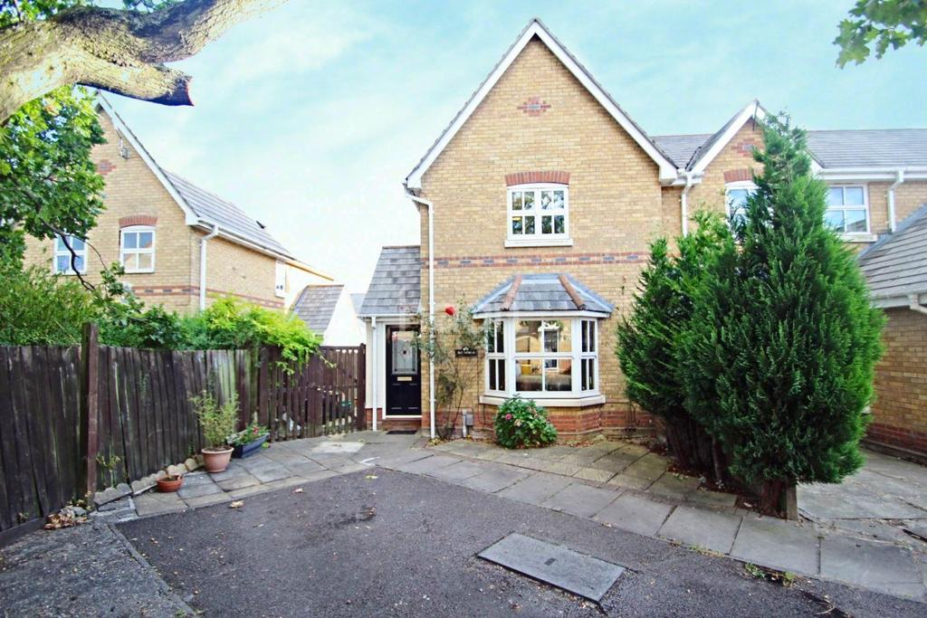 3 Bedrooms End Of Terrace House for sale in Chinook, Highwoods.