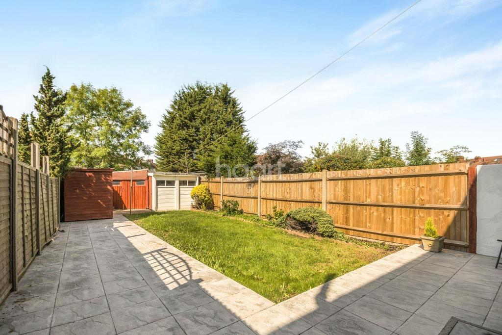 3 Bedrooms Terraced House for sale in Northway, Morden, Surrey, SM4