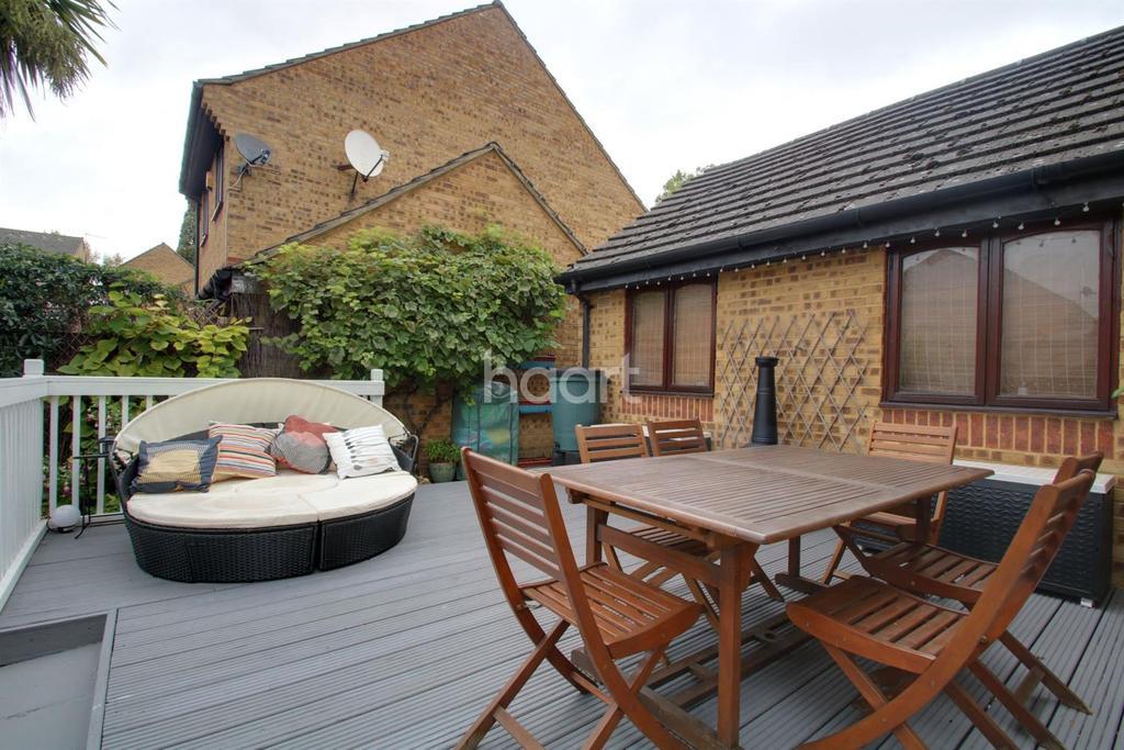3 Bedrooms Semi Detached House for sale in Wolseley Road, Hackbridge, CR4