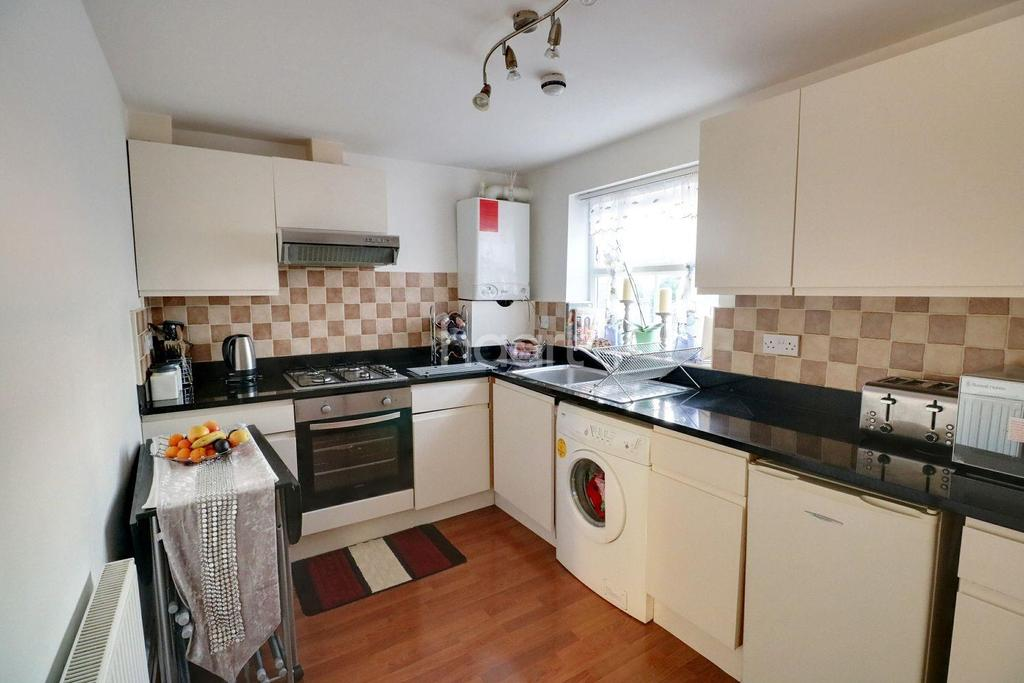 2 Bedrooms Flat for sale in Beulah Road, Thornton Heath, CR7