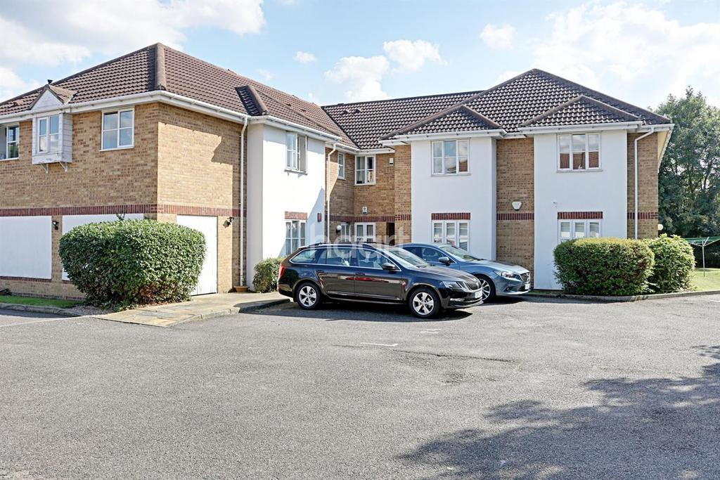1 Bedroom Flat for sale in The Squires, London Road, Romford