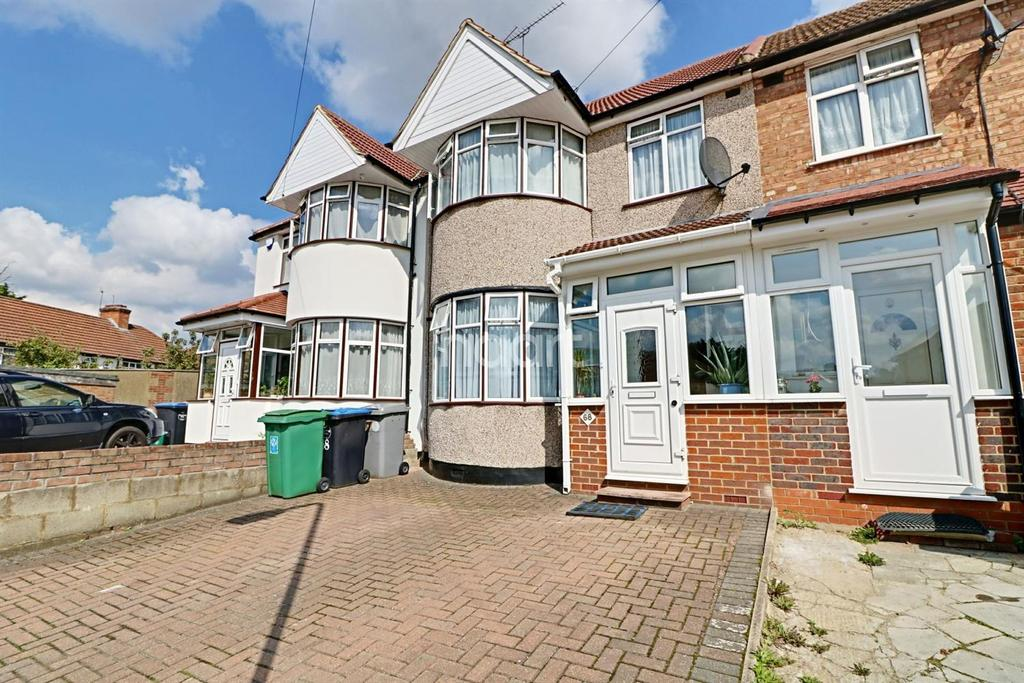 3 Bedrooms Terraced House for sale in Burnside Crescent, Wembley