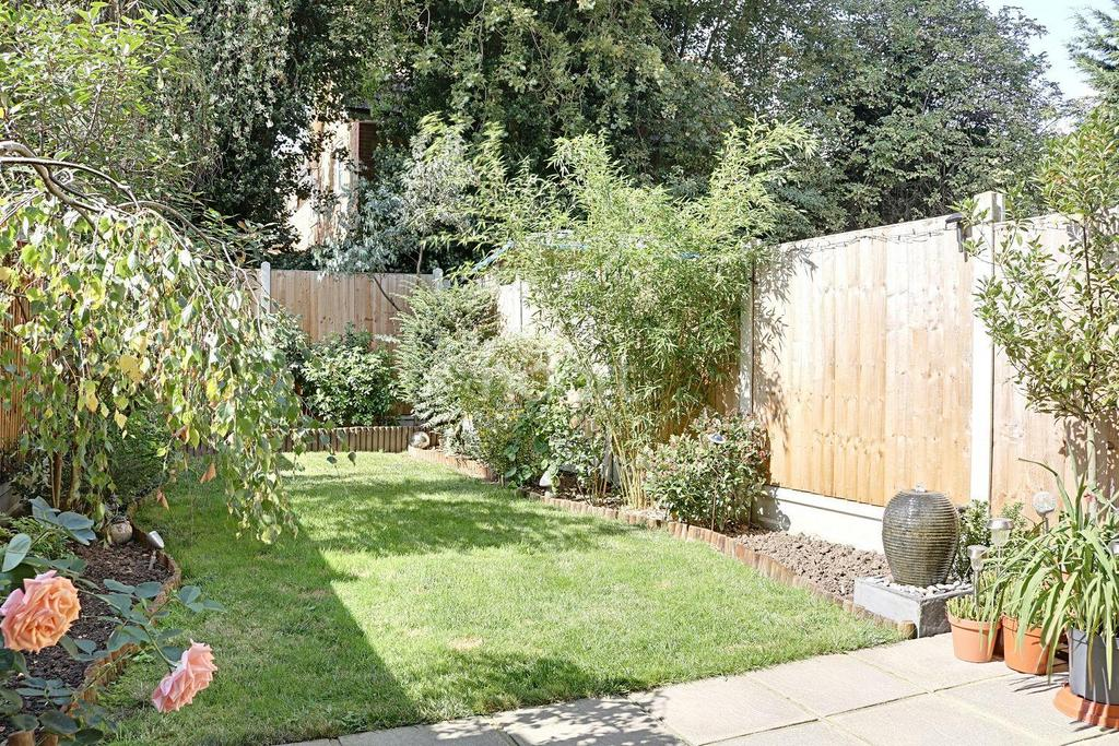 3 Bedrooms Terraced House for sale in Great Cullings, Rush Green