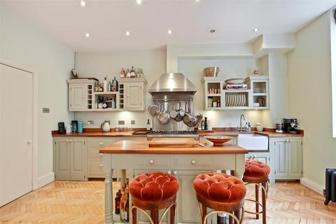2 bedroom flat to rent - Roland Mews, Stepney Green, London, E1