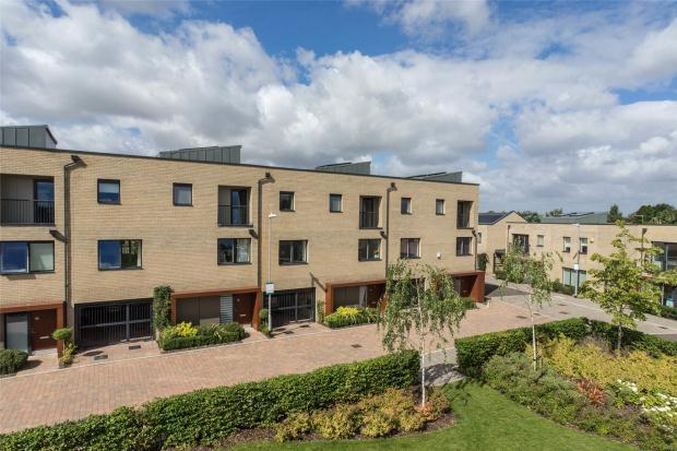 4 Bedrooms Detached House for sale in Harvest Road, Trumpington, Cambridge