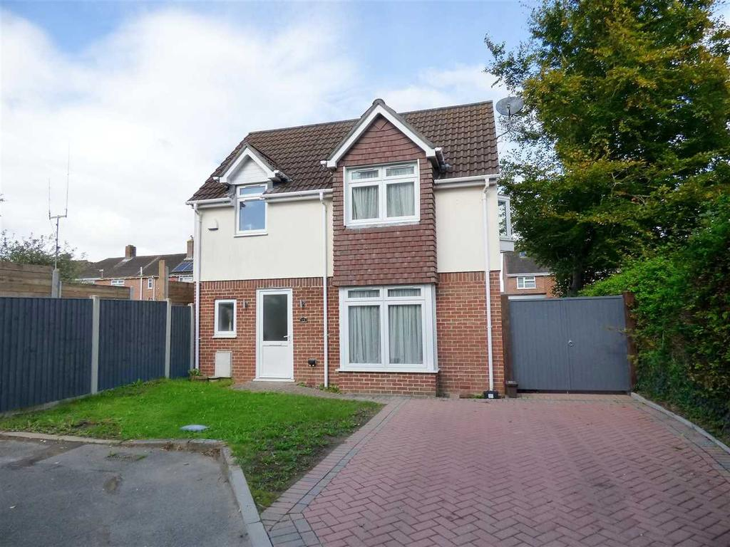 3 Bedrooms Detached House for sale in 10 YEAR OLD PROPERTY ! WELL PRESENTED THROUGHOUT AND LOW MAINTENANCE REAR GARDEN