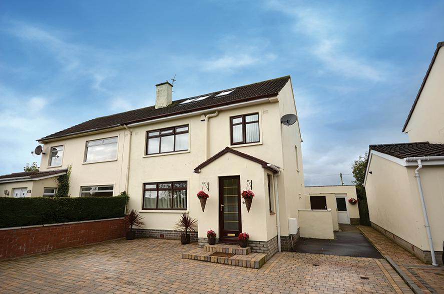 4 Bedrooms Semi-detached Villa House for sale in 27 Biggart Road, Prestwick, KA9 2EQ