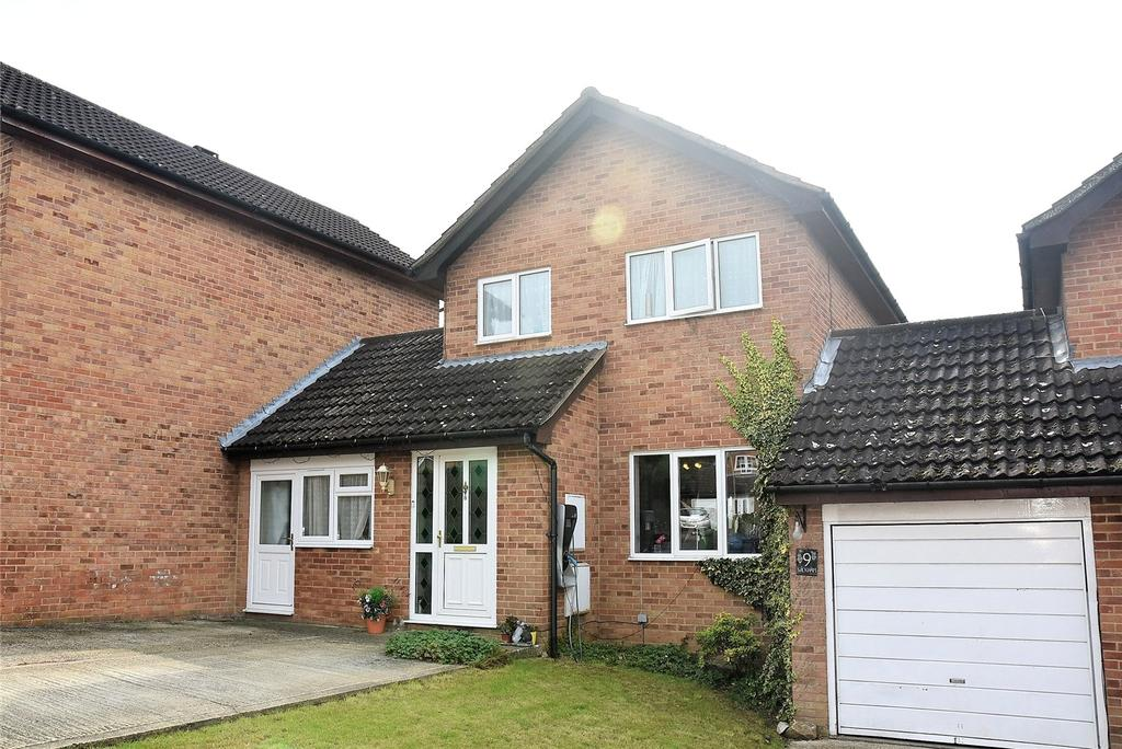 4 Bedrooms Link Detached House for sale in Wickham Close, Tadley, Hampshire, RG26