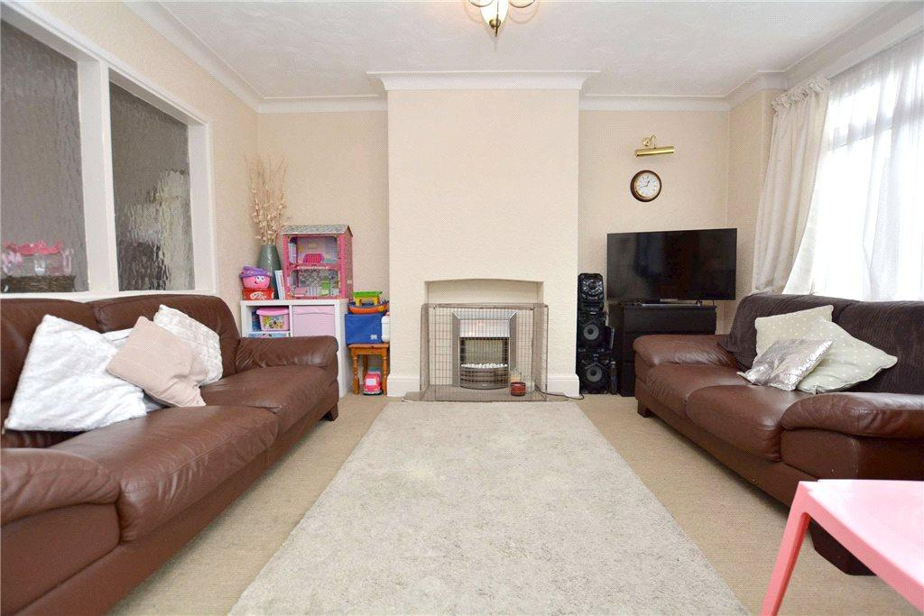 3 Bedrooms Semi Detached House for sale in Poplar Rise, Leeds, West Yorkshire