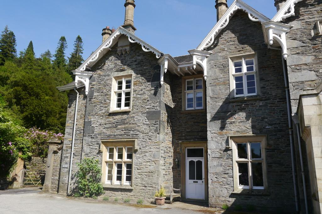 3 Bedrooms House for sale in 3 Wansfell Holme, Ambleside, Cumbria, LA23 1LS