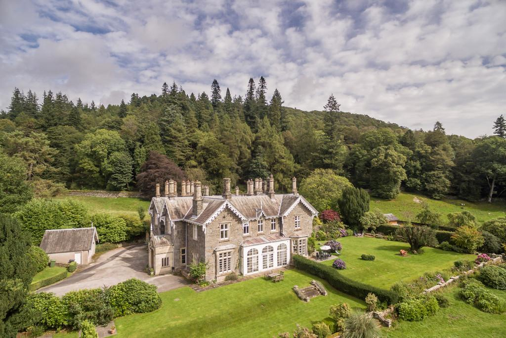 4 Bedrooms House for sale in 1 Wansfell Holme, Ambleside, Cumbria, LA23 1LS