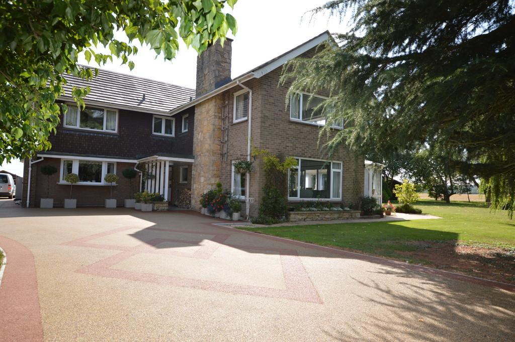5 Bedrooms Detached House for sale in Stonely Road, Easton
