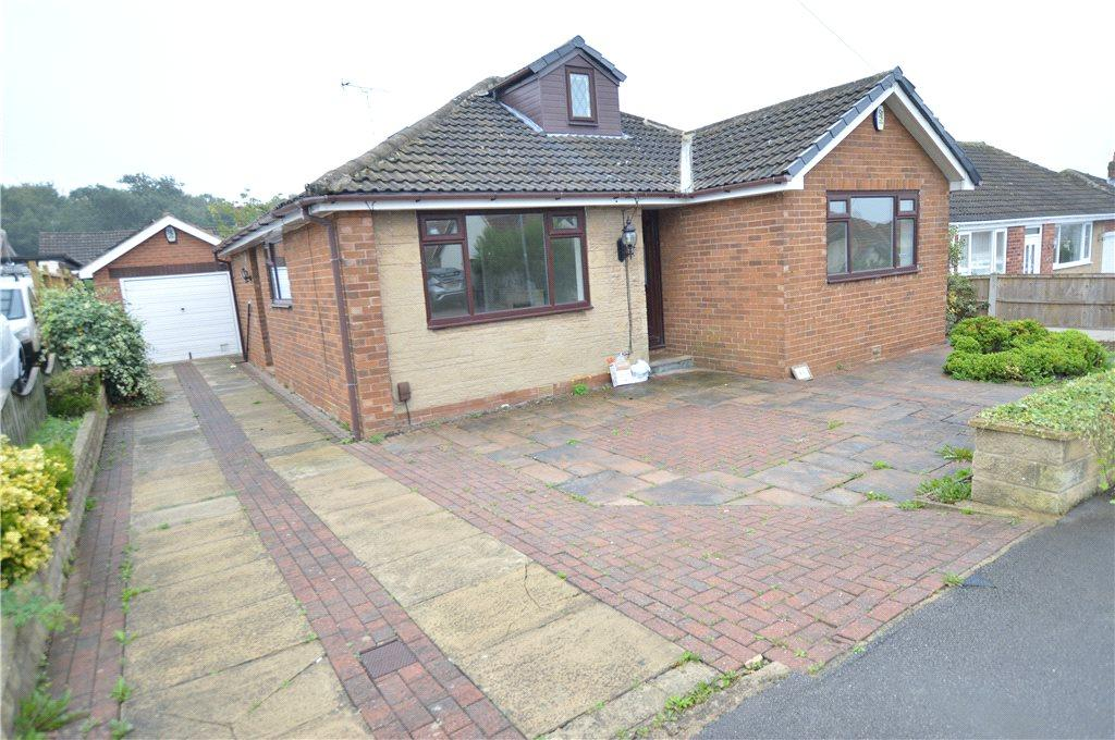 3 Bedrooms Detached Bungalow for sale in Templegate Road, Leeds