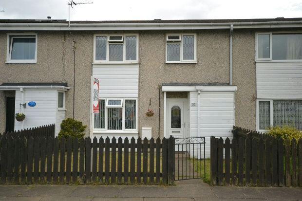 3 Bedrooms Terraced House for sale in Queensway, Grimsby