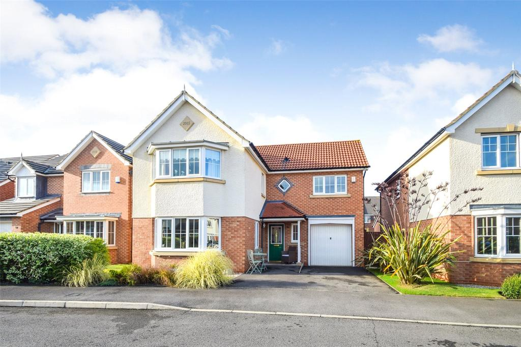 4 Bedrooms Detached House for sale in Bamburgh Drive, East Shore Village, Seaham, Co. Durham, SR7