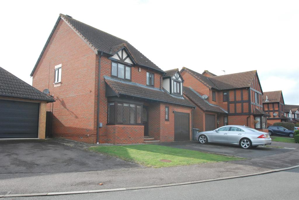 4 Bedrooms Detached House for sale in Oak End, Buntingford