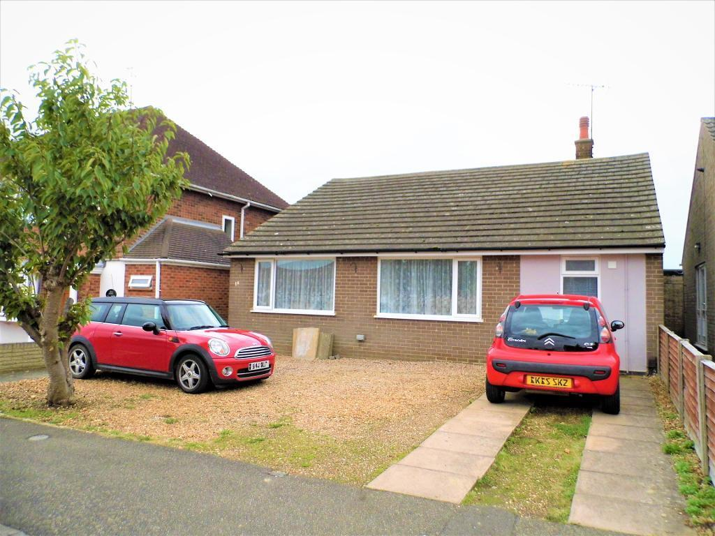 4 Bedrooms Detached House for sale in Headlands, Desborough, NN14 2QA