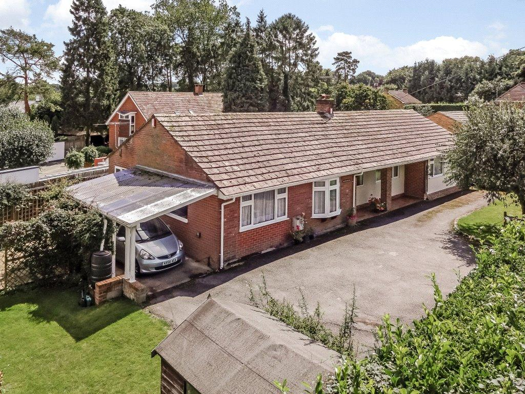 3 Bedrooms Detached Bungalow for sale in Lanham Lane, Winchester, Hampshire, SO22