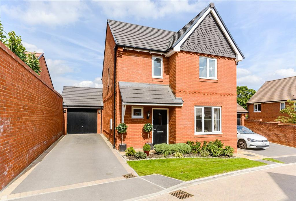 3 Bedrooms Detached House for sale in Meadowbrook, Woolton Hill, Newbury, Hampshire, RG20