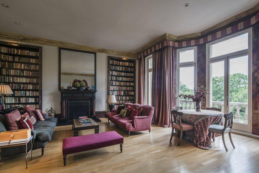 4 Bedrooms Flat for sale in Cambridge Gate, Regent's Park, London, NW1