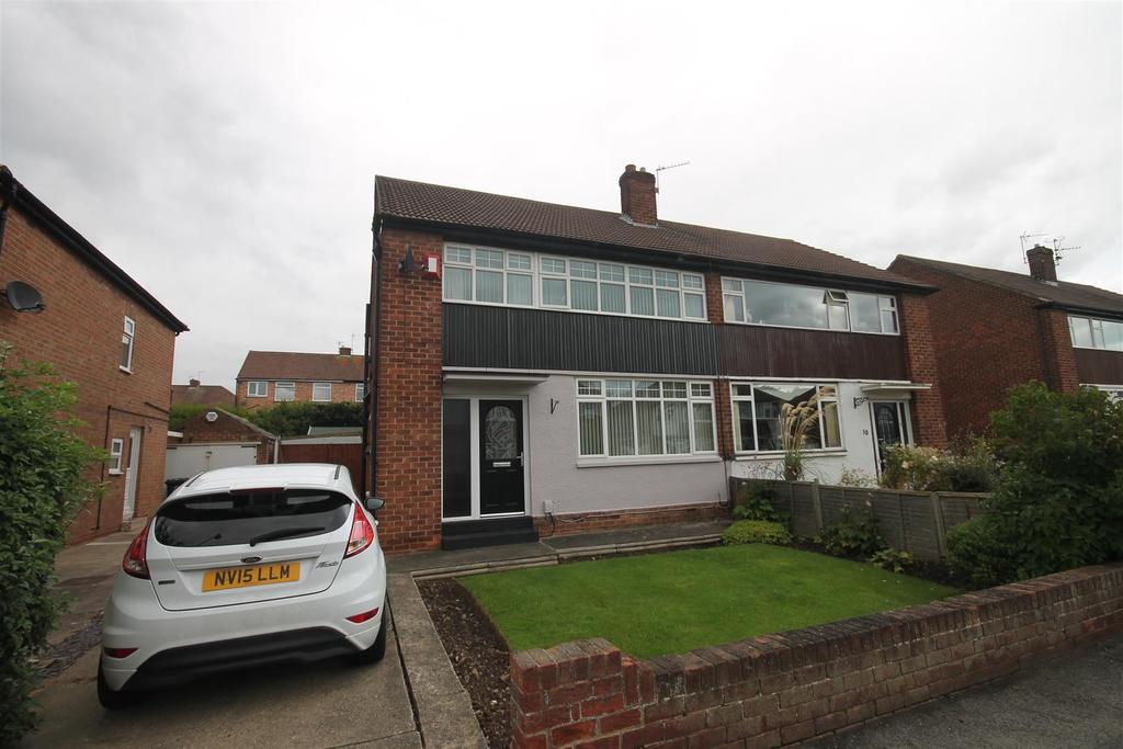 3 Bedrooms Semi Detached House for sale in Byland Road, Nunthorpe, Middlesbrough