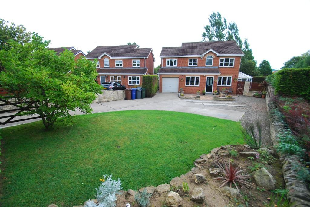 4 Bedrooms Detached House for sale in Medway Close, Barugh Green S75