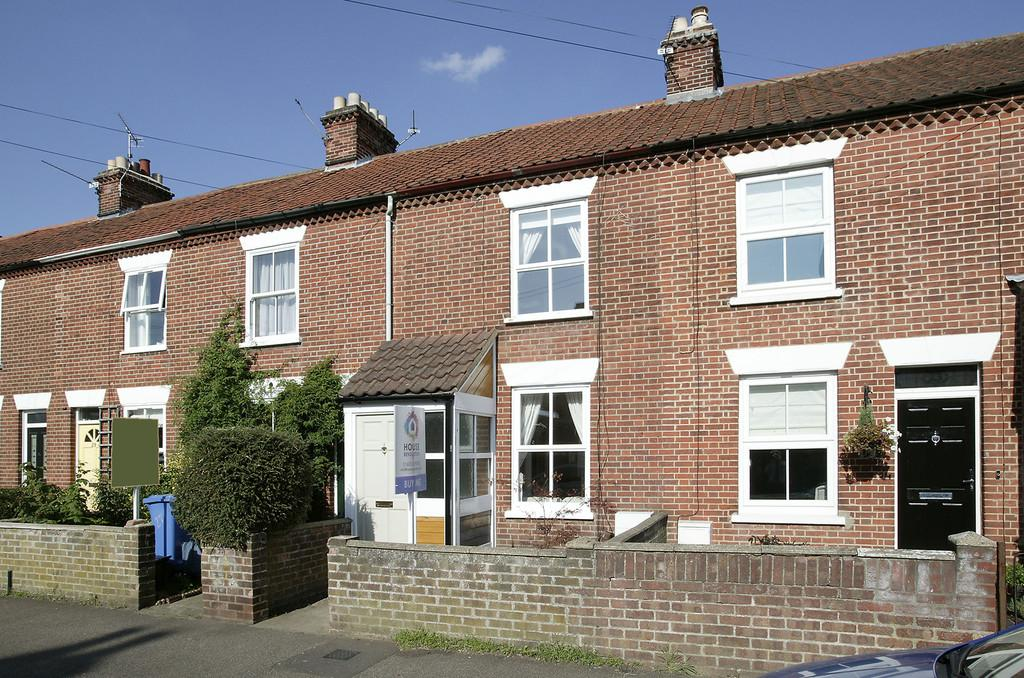 2 Bedrooms Terraced House for sale in Leopold Road, Norwich