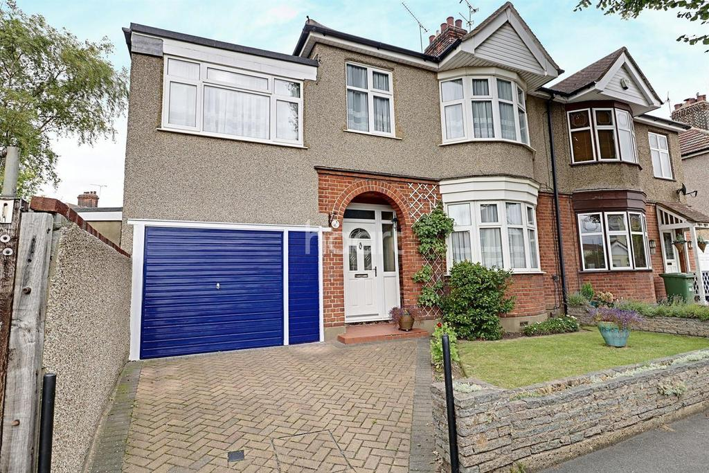 4 Bedrooms Semi Detached House for sale in Lenmore Avenue, Grays