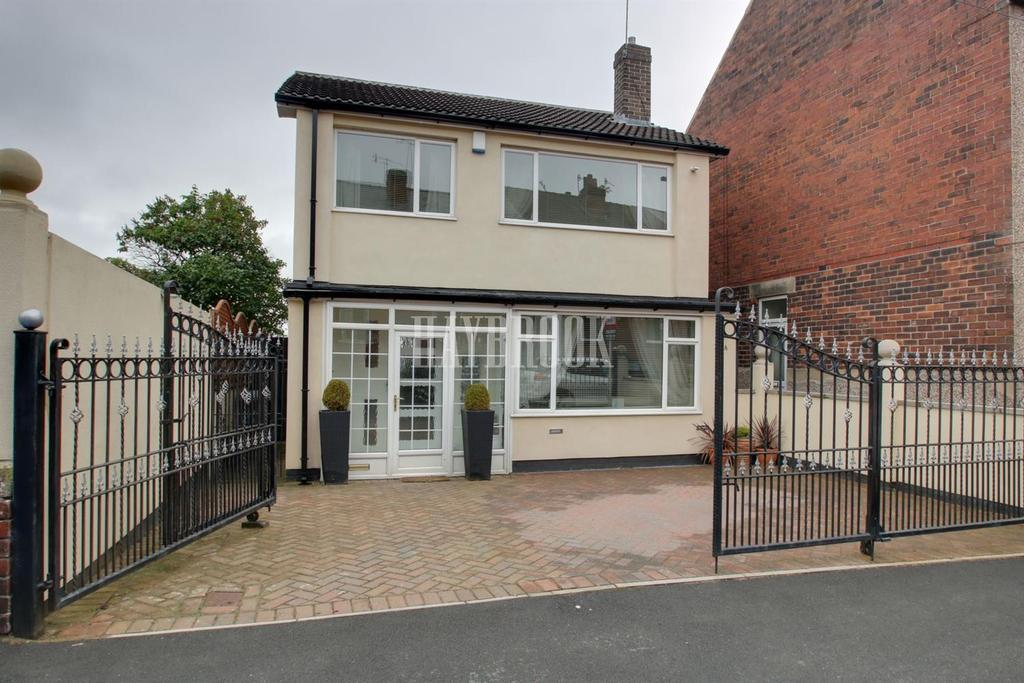 3 Bedrooms Detached House for sale in Carlby Road, Stannington