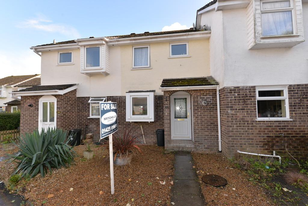 2 Bedrooms Terraced House for sale in Brownsea Close, New Milton