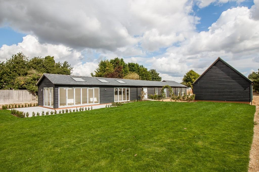 4 Bedrooms Detached House for sale in Chrishall Road, Fowlmere, Royston