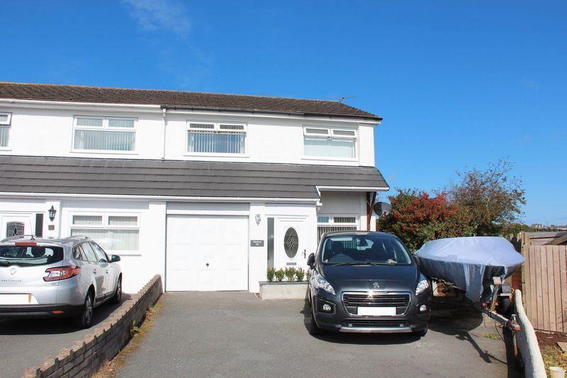 3 Bedrooms Semi Detached House for sale in Lon Gardener, Valley