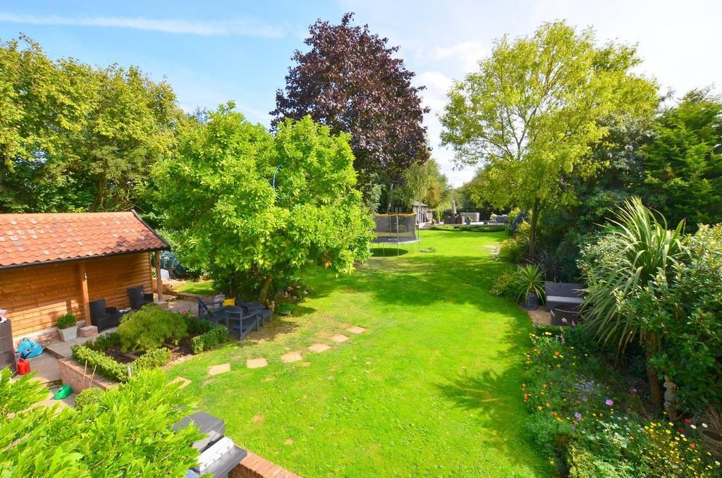 4 Bedrooms Semi Detached House for sale in Tuddenham Lane, Witnesham IP6 9HL