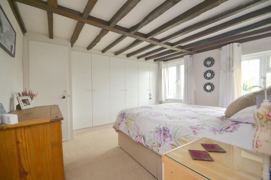 2 Bedrooms Semi Detached House for sale in Brick House Lane, Boreham, CM3 3JQ