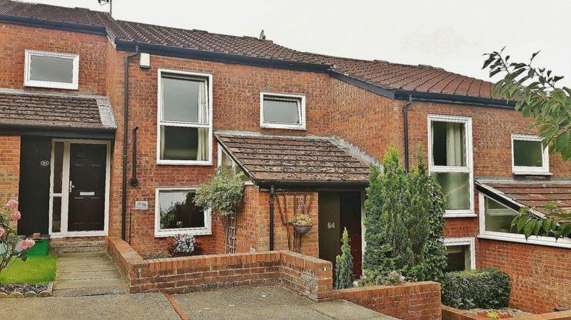 3 Bedrooms Terraced House for sale in Brookscroft, Croydon