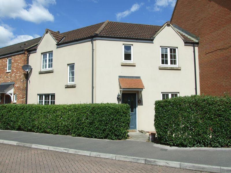 4 Bedrooms Terraced House for sale in Trowbridge